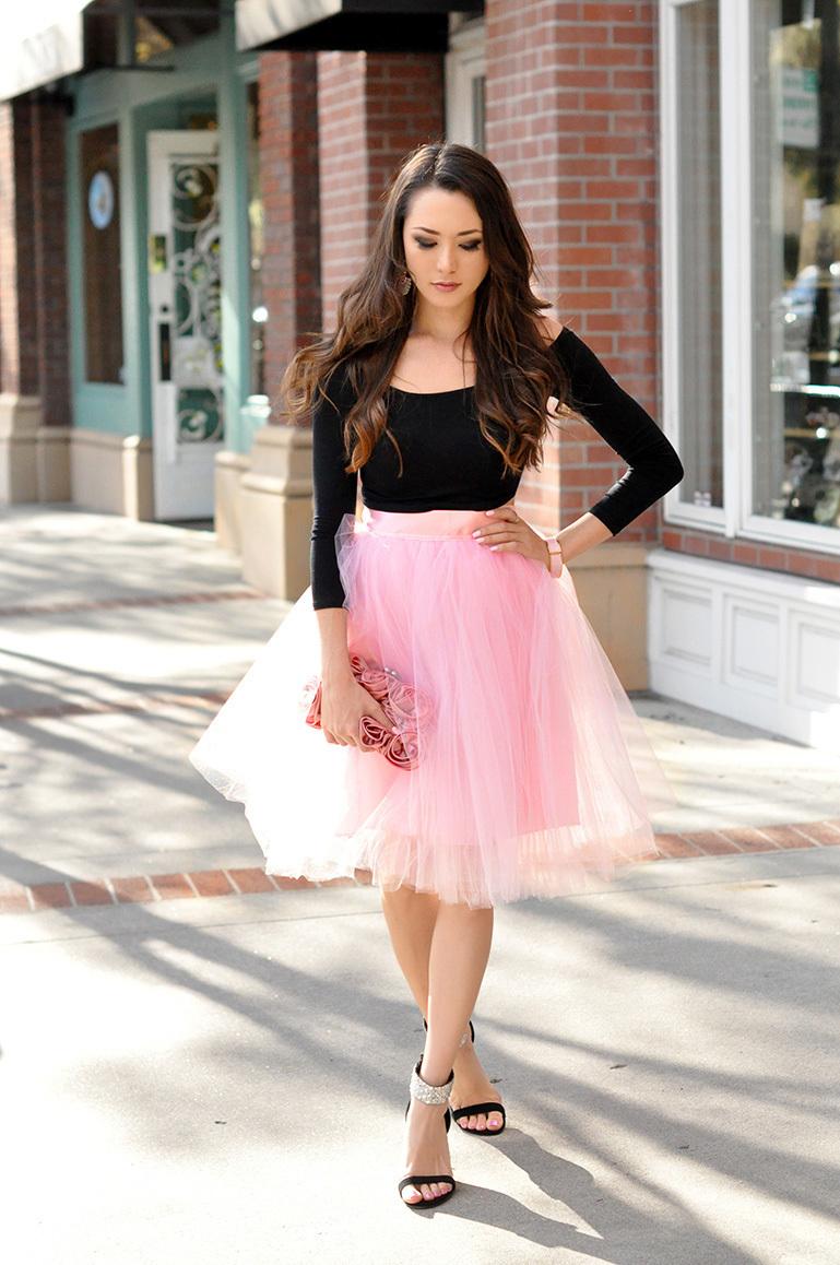 С чем носить розовую юбку из фатина