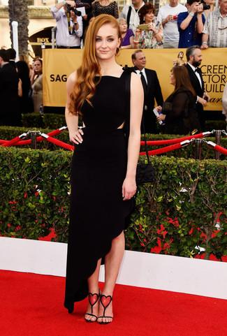 черное вечернее платье красно черные босоножки на каблуке черный клатч золотые серьги large 8017