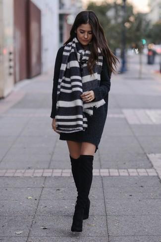 Черное с белым шарфом