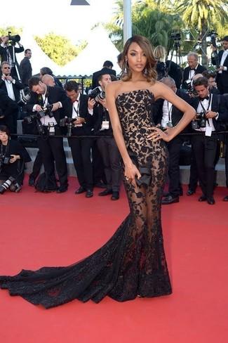 черное кружевное вечернее платье черный сатиновый клатч голубые серьги large 22914