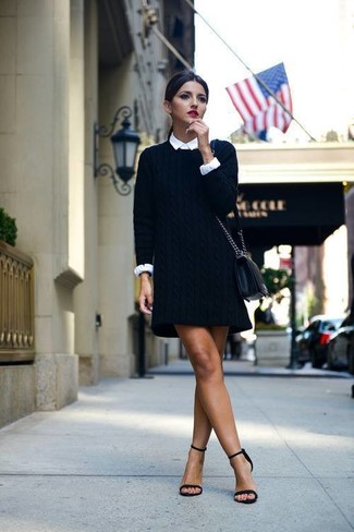 Модный лук: Черное платье-свитер, Белая классическая рубашка, Черные замшевые босоножки на каблуке, Черная кожаная сумка через плечо
