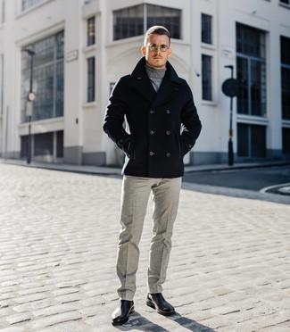 Как и с чем носить: черное полупальто, серая водолазка, серые шерстяные классические брюки, черные кожаные ботинки челси