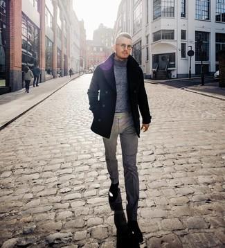 Как и с чем носить: черное полупальто, серая шерстяная водолазка, серые шерстяные классические брюки, черные кожаные ботинки челси