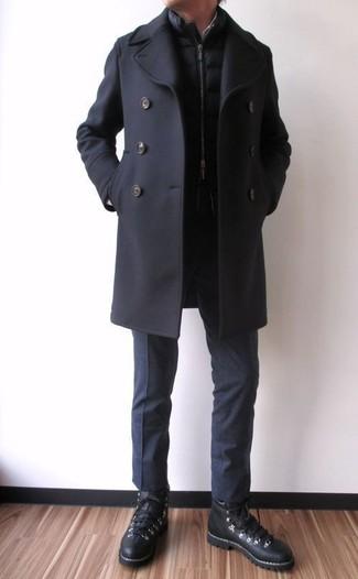 Как и с чем носить: черное полупальто, черная стеганая куртка без рукавов, черные классические брюки, черные кожаные высокие кеды