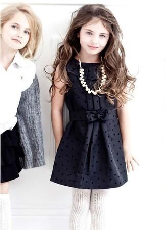 Как и с чем носить: черное шелковое платье, белые колготки
