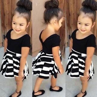 Как и с чем носить: черно-белое платье, черные балетки