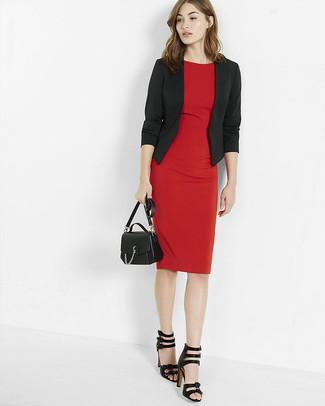 Красное платье с черным пиджаком