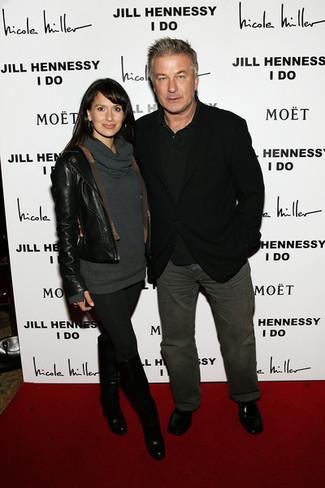 Как и с чем носить: черный пиджак, черная футболка-поло, темно-серые джинсы, черные кожаные лоферы