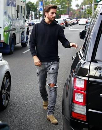 черный худи серые рваные джинсы светло коричневые замшевые ботинки челси large 18366
