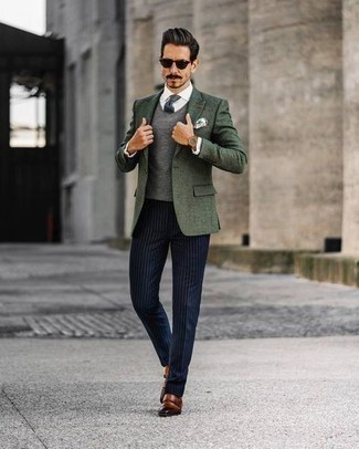 Как одеваться мужчине за 40: